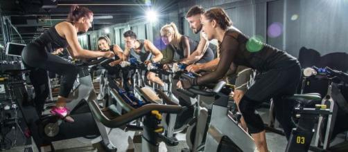 A Few Tips Before Your First Spinning Class - holmesplace.com