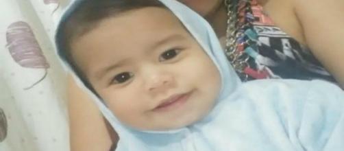 Mãe e padrasto de Anthony Daniel são suspeitos pela morte da criança. (Arquivo Blasting News)