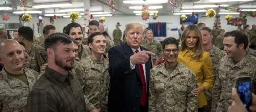Após ataques a bases no Iraque, Donald Trump afirma que está 'tudo bem'. (Arquivo Blasting News)