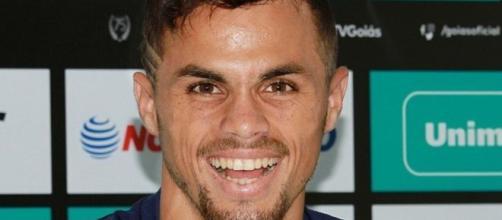 Flamengo quer aumentar proposta para comprar Michael, do Goiás. (Arquivo Blasting News)