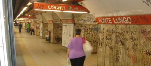 Roma, 15enne si getta sotto la metro: l'ultimo messaggio di Alice alle amiche
