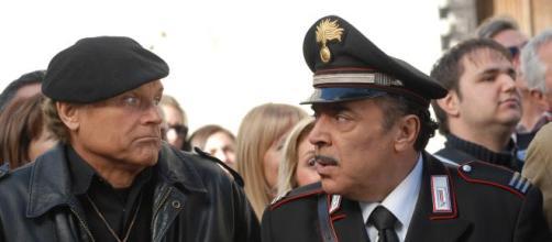 Terence Hill e Nino Frassica, due tra i protagonisti principali di Don Matteo