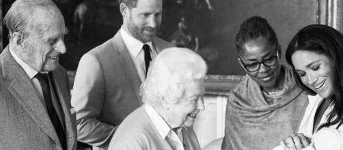 Família real britânica está sentida e decepcionada com anúncio de Harry e Meghan. (Arquivo Blasting News)