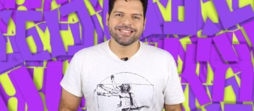 """Jornalista Murilo Ribeiro, ex-apresentador do""""Salto Para o Futuro"""", da TV Escola. (Reprodução/YouTube)"""