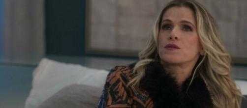 Silvana vai sofrer com fortes enjoos e quedas de pressão em 'Bom Sucesso'. (Reprodução/TV Globo)