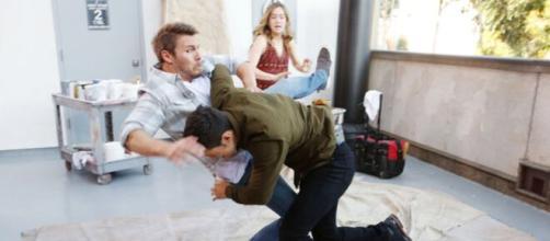 Beautiful, spoiler venerdì 2/10: Thomas scappa dopo uno scontro con Spencer.