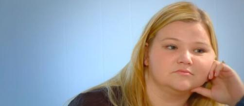 '90 Day Fiancé': Nicole doesn't want any missteps before starting new season. [Image Source: TLC/ YouTube Screenshot]