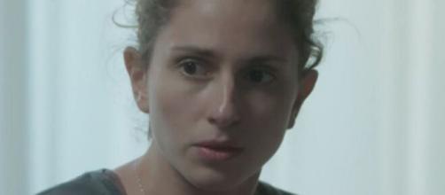 """ivana descobrirá que não se reconhece em seu corpo em """"A Força do Querer"""". (Reprodução/TV Globo)"""