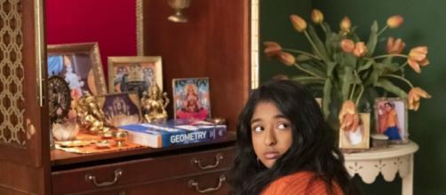 Maitreiy Ramakrishnan em cena da série 'Eu nunca...' da Netflix. (Foto: Arquivo Blastingnews)