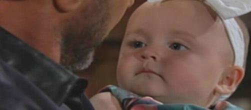 Beautiful, trama 14 ottobre: Bill e Will portano un dono gigante a Beth.