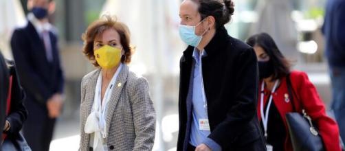 Pablo Iglesias ha acudido al acto del 12-O con una macarilla con un símbolo republicano