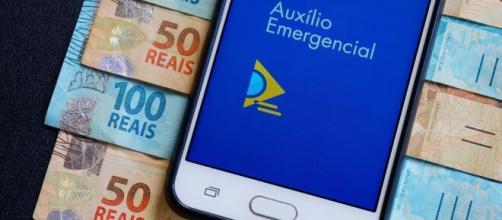Auxílio emergencial: faça compras e pague boleto sem precisar sacar o dinheiro. ( Arquivo Blasting News)