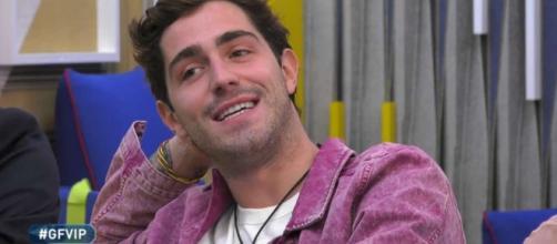 GF Vip, Signorini anticipa: 'Un concorrente gay entrerà in casa su richiesta di Zorzi'.