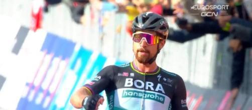 La vittoria di Peter Sagan nella decima tappa del Giro d'Italia.