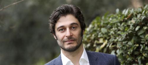 Lino Guanciale è uno dei protagonisti della serie Sopravvissuti.