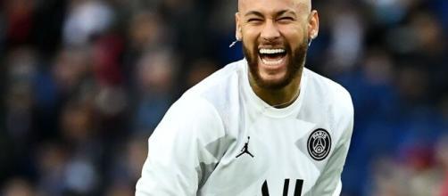 Neymar busca sempre jogar com um sorriso no rosto. (Arquivo Blasting News)