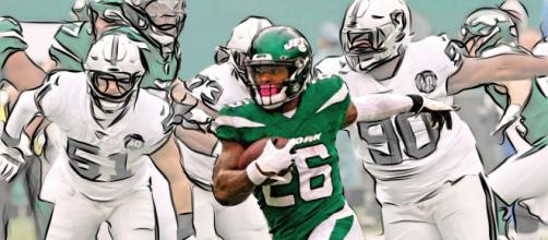 Le'Veon Bell played 17 games for the Jets. [Image Source: Flickr | Jack Kurzenknabe]