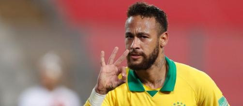Neymar autore di una tripletta in Perù-Brasile 2-4.