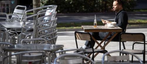 Restricciones por el coronavirus: Esta noche entrará en vigor el cierre de bares y restaurantes en Cataluña.