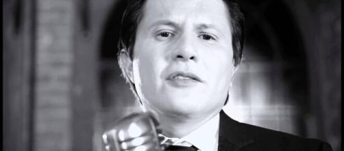 Cantor sertanejo Giovani teve cachê penhorado para pagar dívida de R$ 1 milhão. (Arquivo Blasting News)