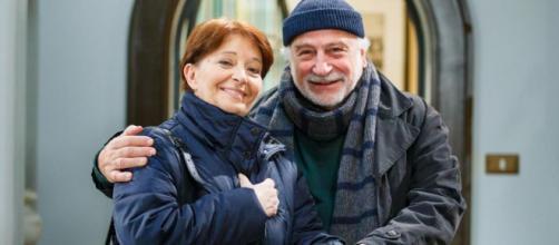Un posto al sole: Teresa (Carmen Scivittaro) e Otello (Lucio Allocca)