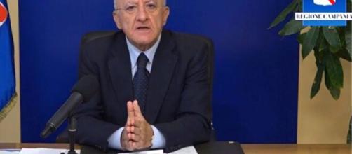 Vincenzo De Luca, nella consueta diretta facebook del venerdì dedicata al covid-19.