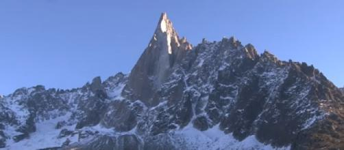 Climate change is melting the glaciers in the French Alps. [Image source/FRANCE 24 English YouTube video]
