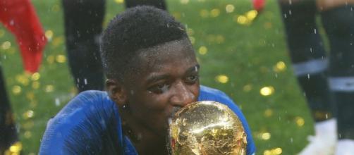 Ousmane Dembele potrebbe trasferirsi alla Juventus.