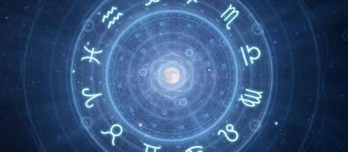Previsioni oroscopo di lunedì 19 ottobre 2020