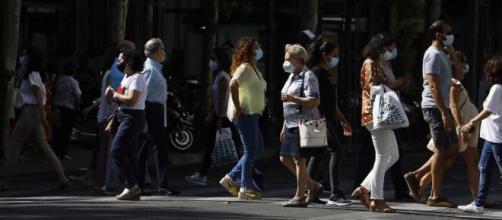 España supera la barrera de los 15.000 contagios en la segunda ola de coronavirus