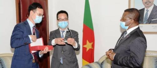 Le Premier Ministre Chef du Gouvernement Chief Dr Joseph Dion Ngute et Huawei Cameroun (c) Huawei Cameroun