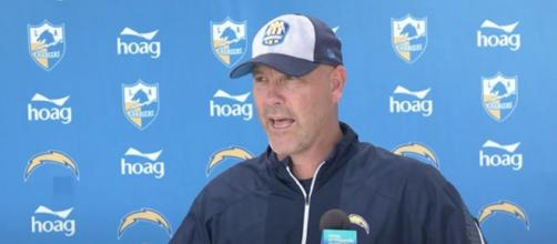 Bradley lauds Bucs' coaching staff (Image Credit: Los Angeles Chargers/YouTube)