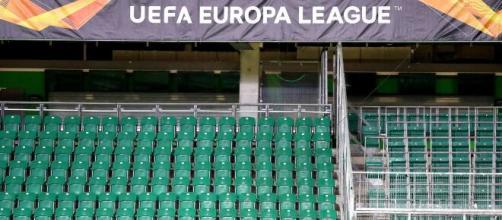 13 giocatori del club olandese che sfiderà il Napoli in Europa League sono positivi alla Covid-19.