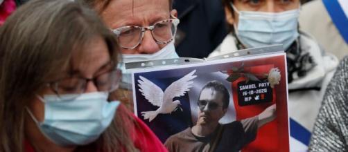 La decapitación de Samuel Paty provoca manifestaciones de repulsa en Francia