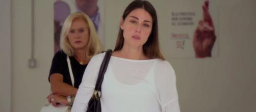Un posto al sole Serena Cirillo (Miriam Candurro) e Ornella (Marina Giulia Cavalli).