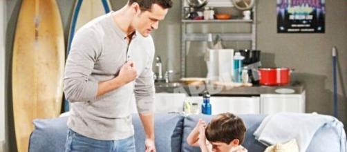 Beautiful, trama venerdì 23-10: Thomas vuole dare una lezione al figlio.