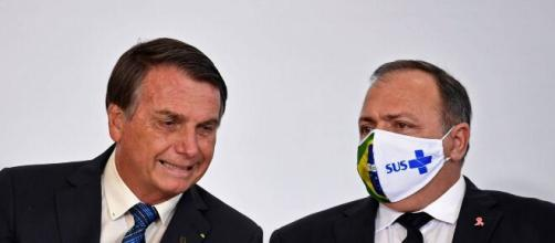 Bolsonaro desautoriza Pazuello na compra de vacina (Arquivo Blasting News)