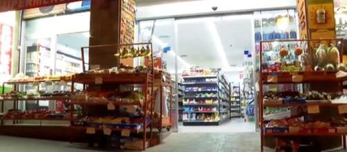 Cataluña obliga a las tiendas 24 horas a cerrar a las diez de la noche