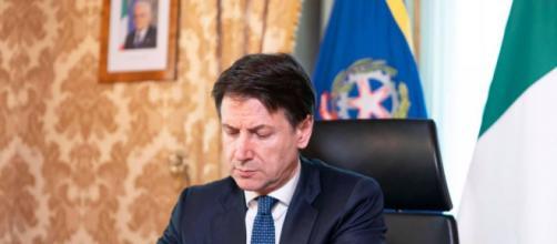 Giuseppe Conte pronto a firmare un nuovo Dpcm.