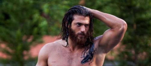 Can Yaman: 5 curiosità sull'attore turco di Daydreamer