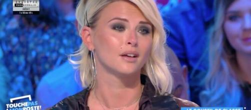 TPMP : Kelly Vedovelli émue aux larmes après que Karine Lemarchand l'ait insultée