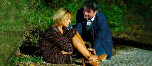 Un posto al sole Silvia (Luisa Amatucci) e Michele (Alberto Rossi) vengono aggrediti.