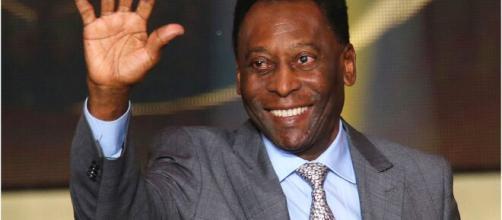 Maior jogador de futebol de todos os tempos, o Pelé completa 80 anos de existência, e famosos homenagearam o rei. (Arquivo Blasting News)