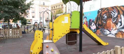 Nuevas restricciones en Madrid incluyen prohibición de reuniones publicas y cierre de parques infantiles en zonas de alta incidencia de contagios