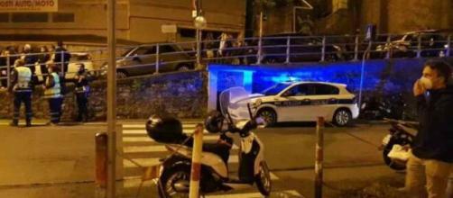 Genova, auto travolge gruppo di ragazzi: due giovani ferite nell'incidente   chenews.it