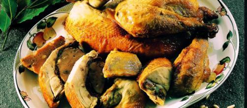 Il pollo ripieno è un tipico piatto autunnale.