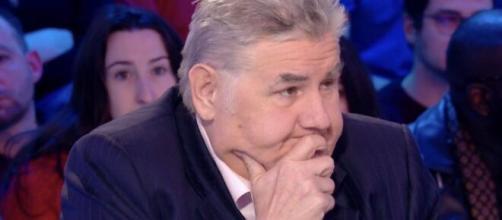 Masque obligatoire, Pierre Ménès menace de quitter le CFC - bmykey.com