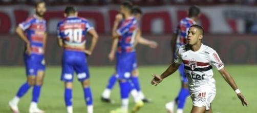 Brenner fez dois gols e se tornou artilheiro do time com 11 tentos na temporada. (Arquivo Blasting News)
