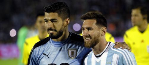 Suaréz e Messi são os maiores artilheiros de Uruguai e Argentina nas Eliminatórias da América do Sul. (Arquivo Blasting News)