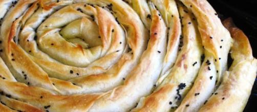 5 modi per realizzare il burek: tipico della cucina turca e albanese.